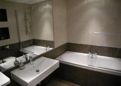 The bathroom at Glendower House 4, Tenby