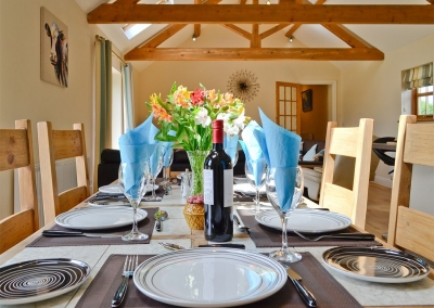 The dining area at Llanlliwe Cottage, Henllan Amgoed