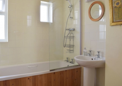 The bathroom at Rose Cottage, Tenby
