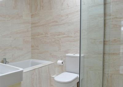 The bathroom at Southlands Barn, Moreton