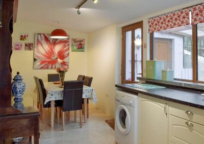 The kitchen & dining area at Ty Hapus, Dwrbach
