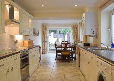 The kitchen & dining area at Y Traethdy, Tenby