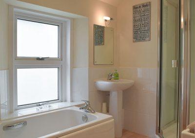 The bathroom at Y Traethdy, Tenby